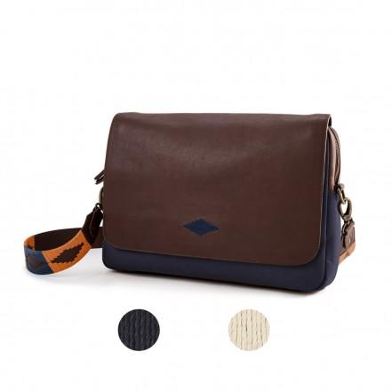 Pampeano Recado Messenger Bag